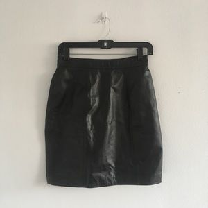 Dresses & Skirts - Vintage black leather skirt